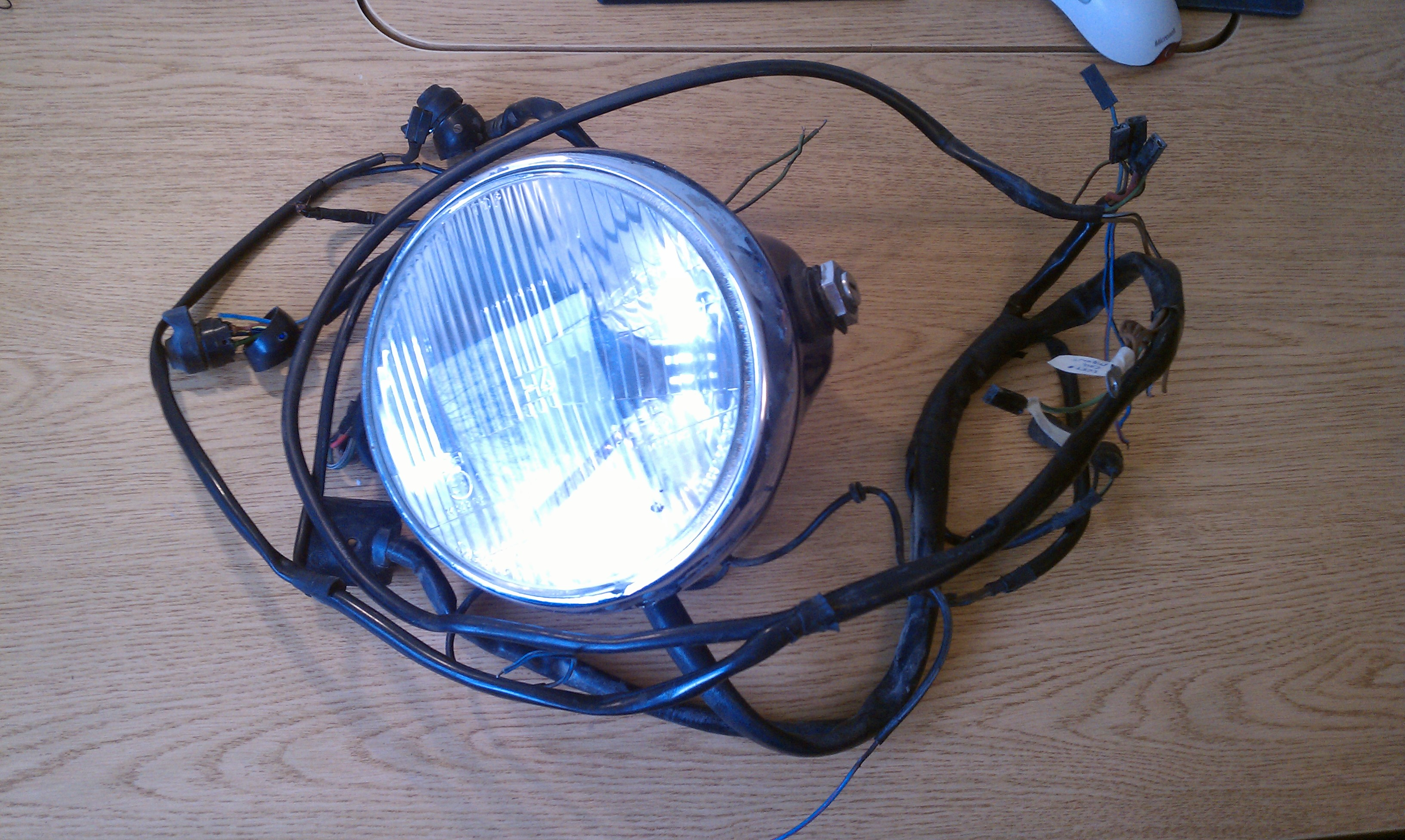 r90s headlight and wiring harness 01